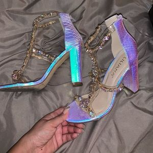 💎💜Liliana holographic heels with jewels 💜💎